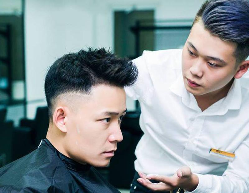 cắt tóc nam đẹp ở hoàng mai