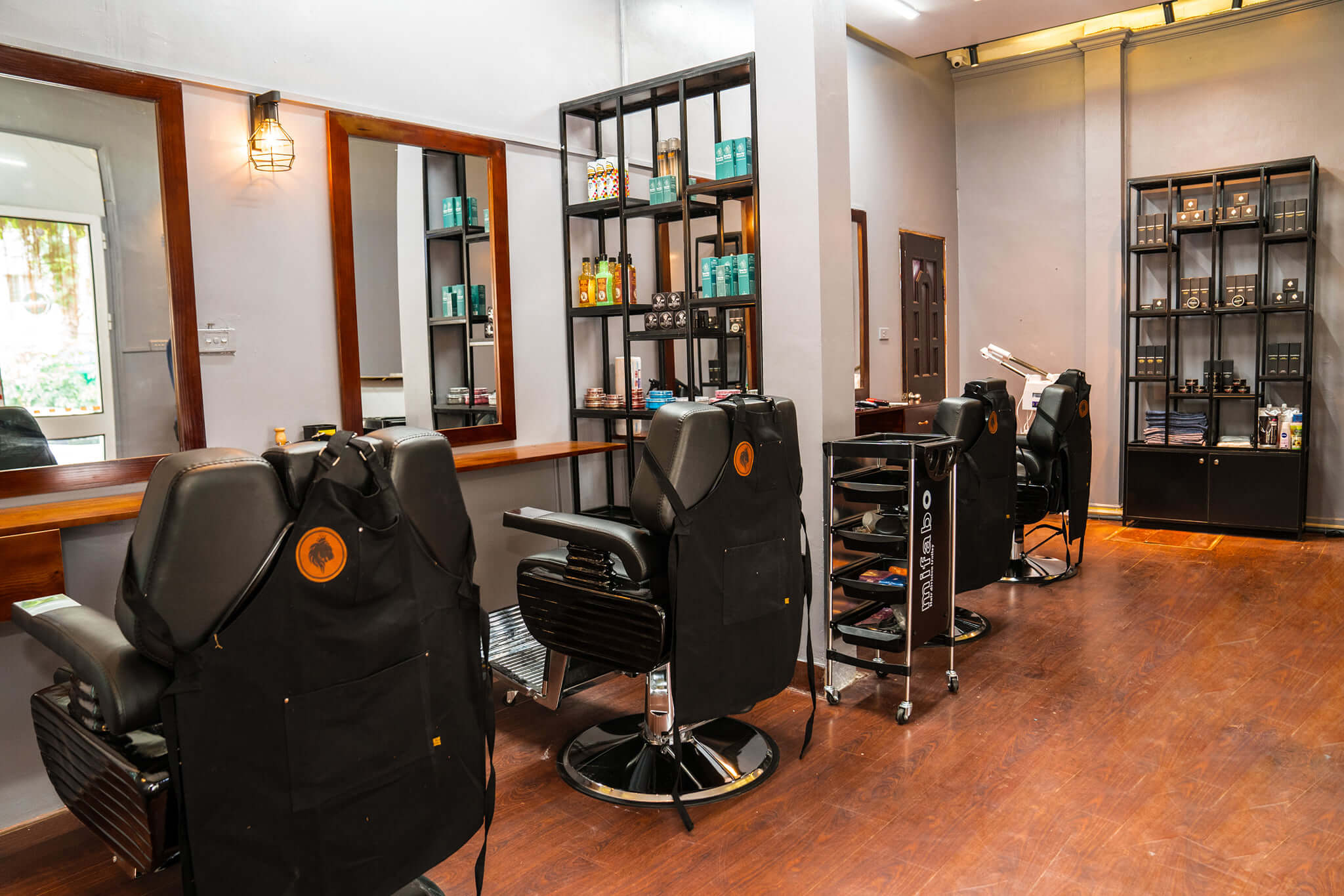 cắt tóc nam Mane man Barber House